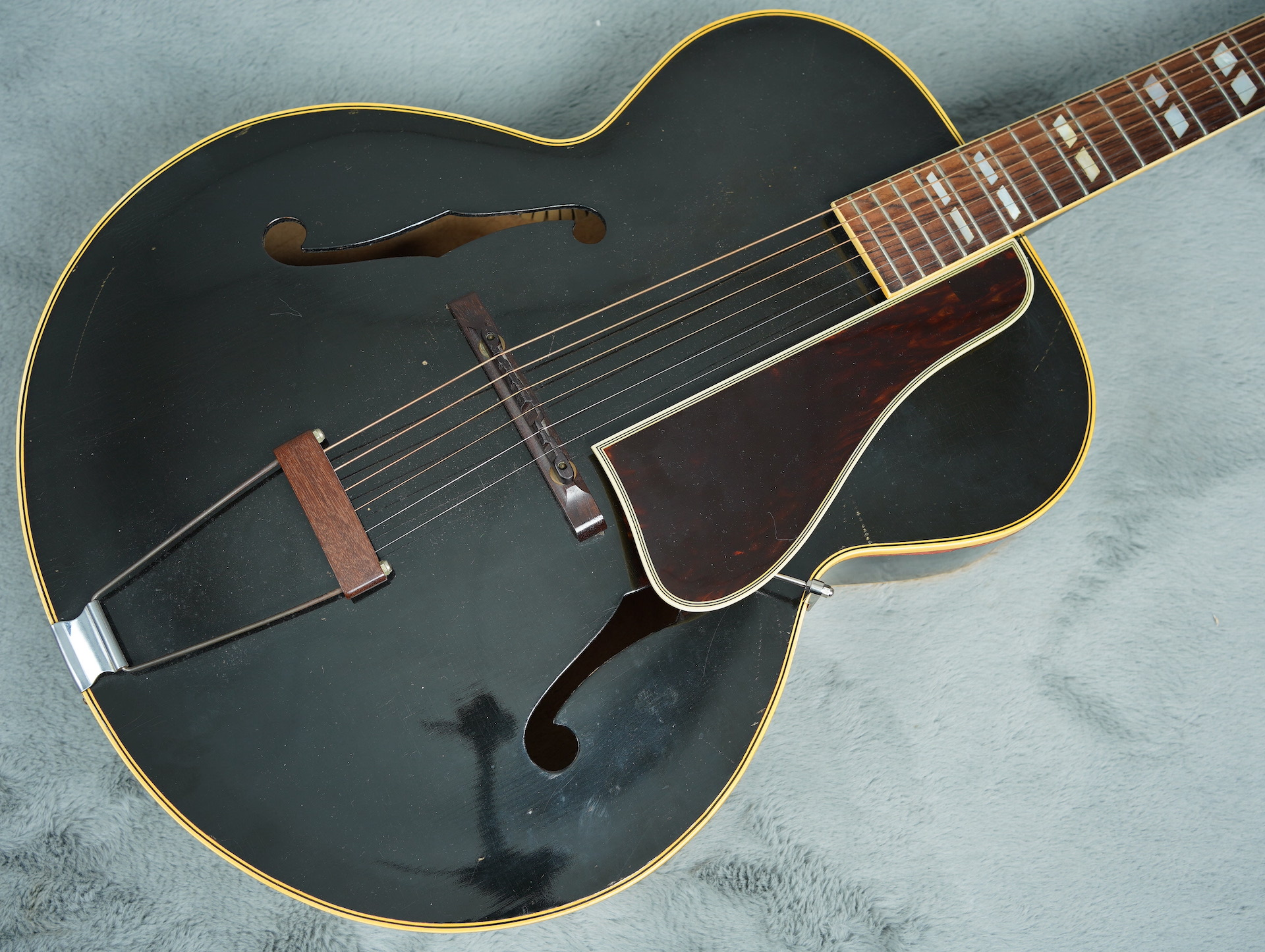 1944 Gibson L7 factory Black + OHSC - really Nice!