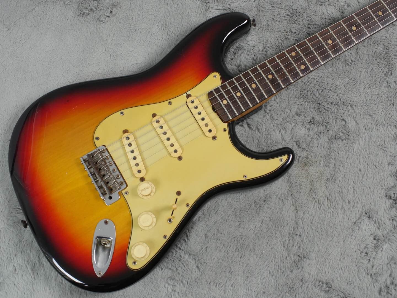 1962 Fender Stratocaster Sunburst body refin