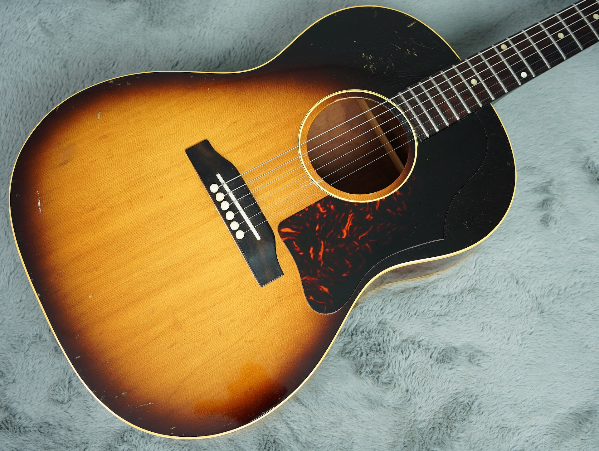 1963 Gibson LG-1 Acoustic + HSC