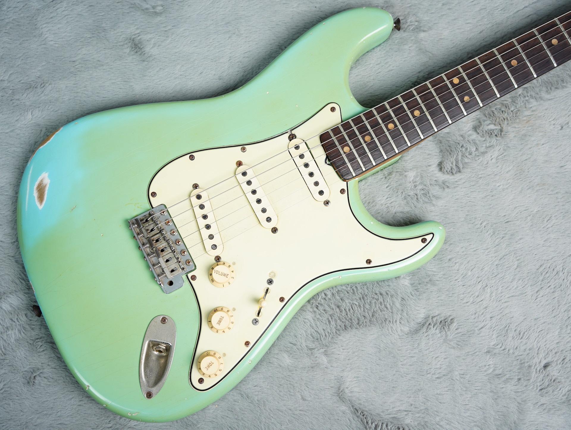1964 Fender Stratocaster Daphne Blue refin + HSC