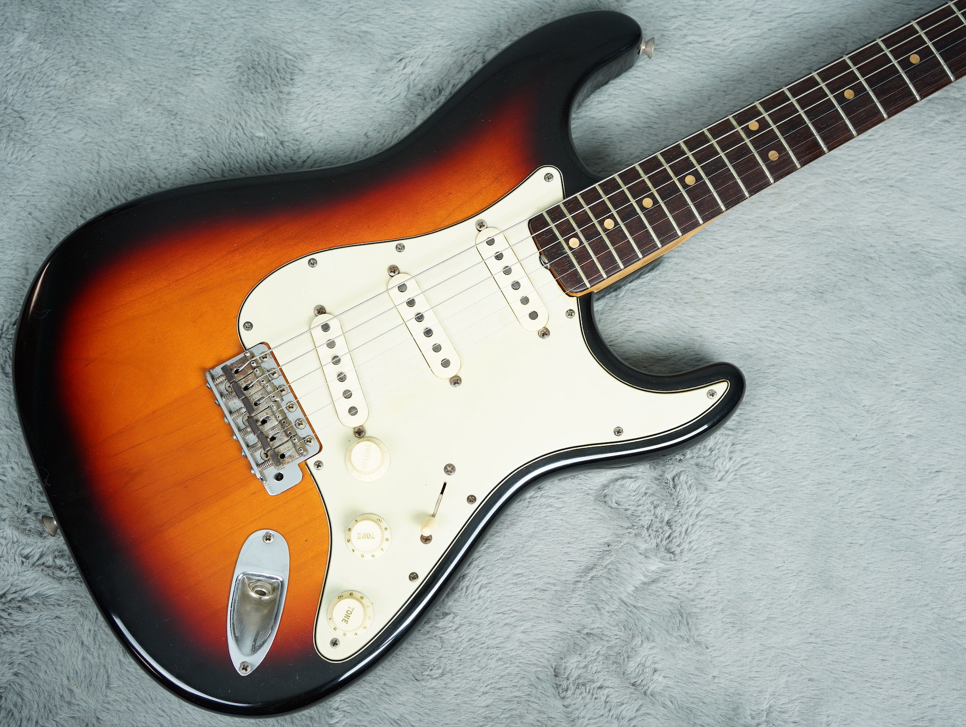 1964 Fender Stratocaster body only refin + HSC