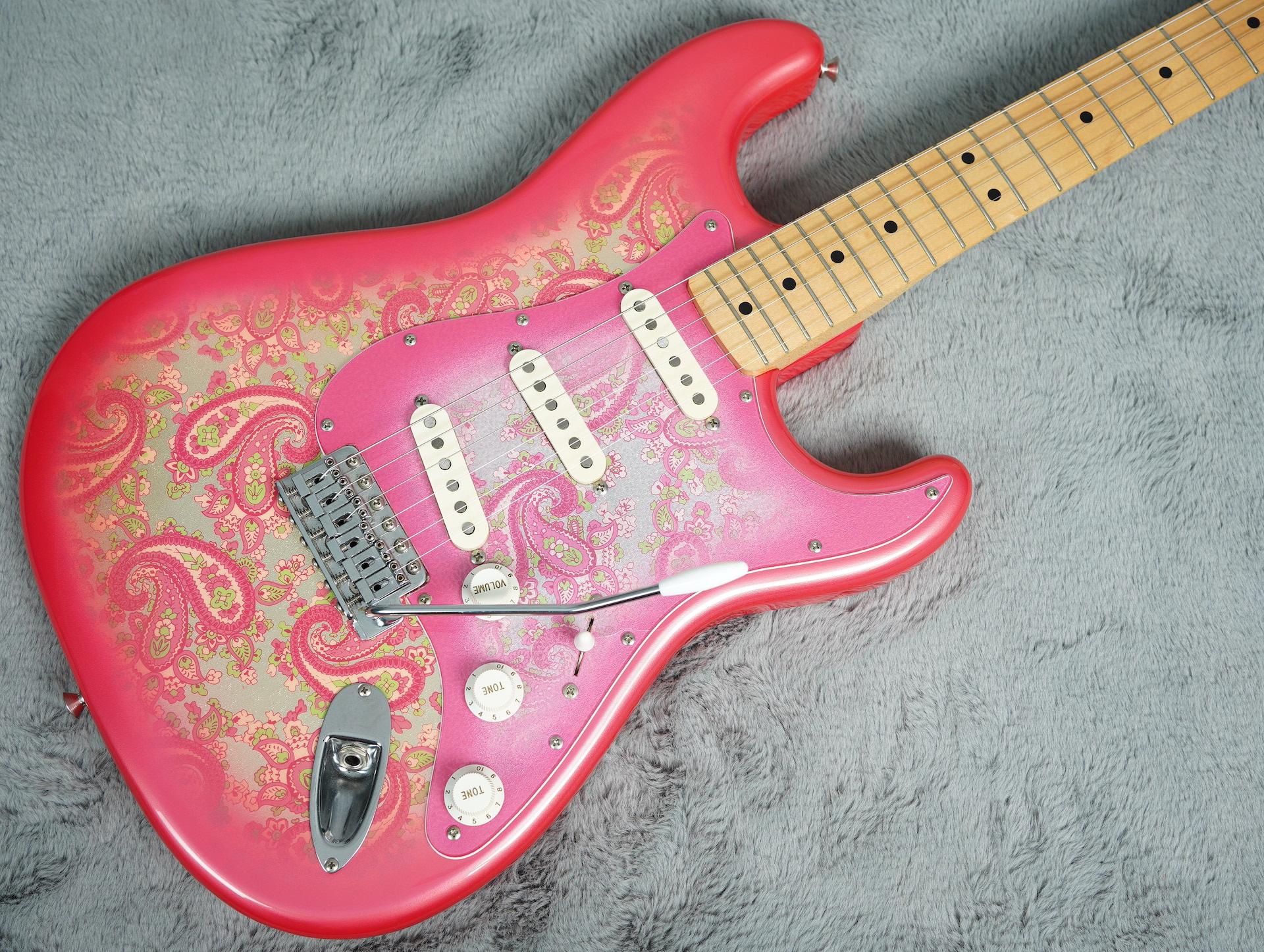 Mid 80's Fender Stratocaster Paisley Reissue MIJ + HSC