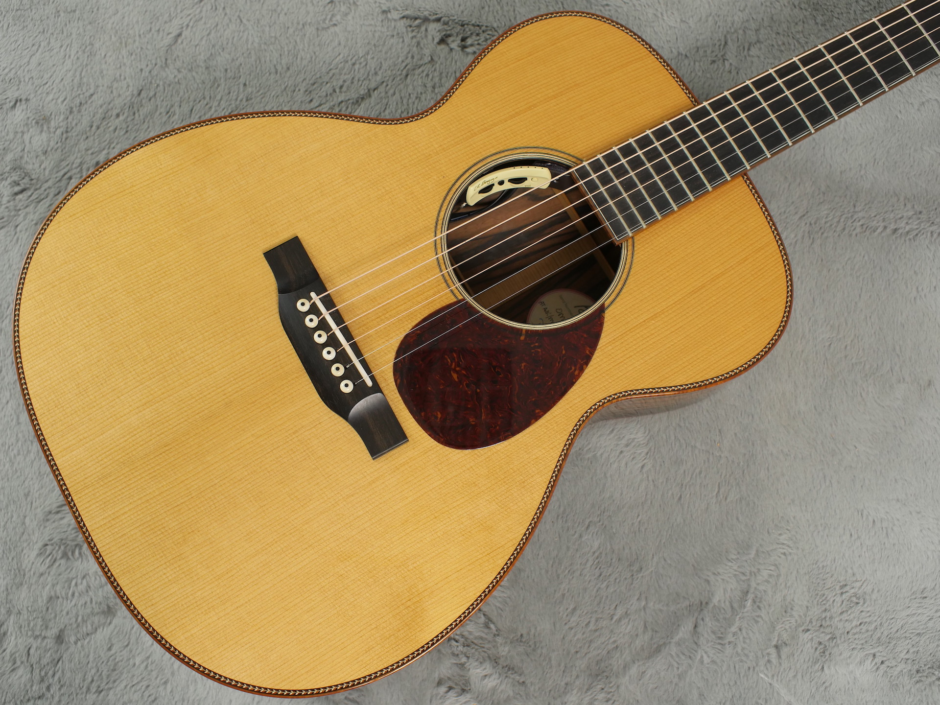 2016 Bourgeois OM Large Soundhole + OHSC